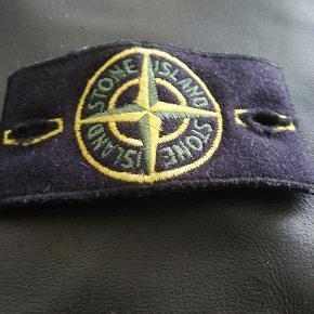 Sælger stone badge