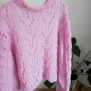 Hjemmestrikket Ganni look-a-like sweater i Mohair uld