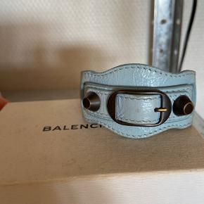 Smukt Balenciaga armbånd! Np 1200 kr.