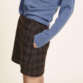 Uld nederdel fra Samsøe Samsøe. Aldrig brugt. Længde: midt på låret. Nypris: 600