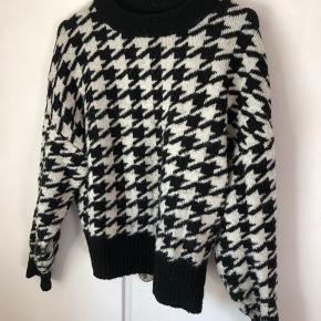 Populær sweater fra H&M - virkelig behagelig. Brugt få gange