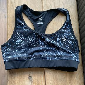 Workout Empire top