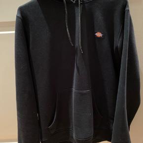 Dickies hoodie Cond: 7 Ny pris: 500 Byd gerne