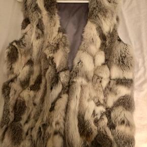 Sælger denne lækre pels, som jeg ikke får brugt 😊 kan sendes på købers regning