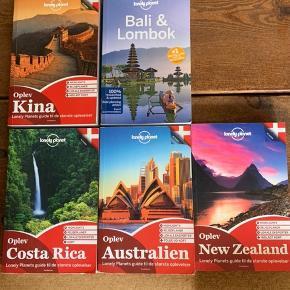 Lonely Planet bøger til hhv. Kina, Costa Rica, Australien, New Zealand og Bali.  Bali versionen er på engelsk de andre på dansk.  Bøgerne er i god stand og sælges til 150 kr pr. stk.