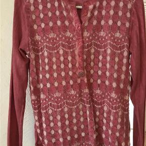 Varetype: Smuk skjorte Størrelse: XS/S Farve: Cerise