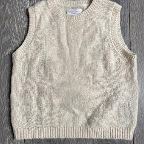Part Two vest