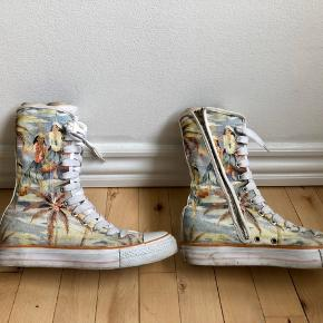 Replay high boots/sneakers (close resemblance to all stars). Have been used for some time, there are no hidden surprises with them - what you see is what you get :)  *Can meet in Copenhagen upon agreement*
