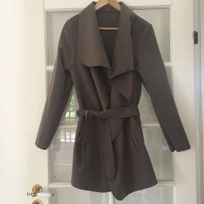 🌱Løs Oversize jakke/ frakke str. S/M  Aldrig brugt.   Kan hentes i Odense eller sendes.