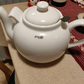 Tekande med filter til te-blade.