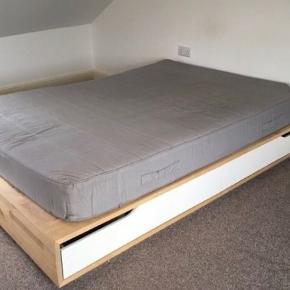 IKEA sengestel med opbevaring (4 skuffer) Fejler ingenting.  Mål ca 200 x 160 Afhentes i Valby