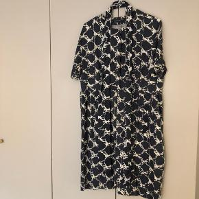Balenciaga kjole