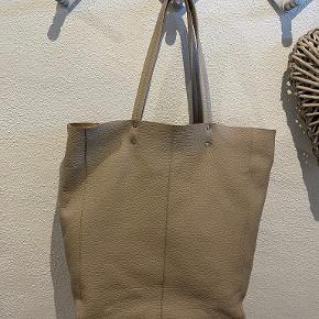 Adax anden taske