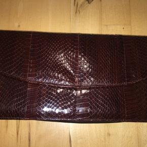 One Vintage clutch