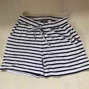 Ze-Ze shorts