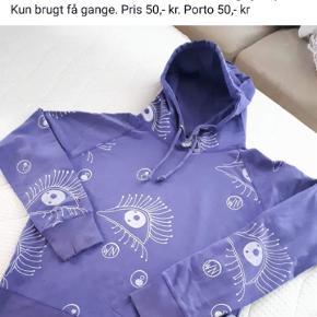Sweatshirt med hætte og sjovt print fra Tendence str s brugt få gange. Pris 50,00 kr plus porto
