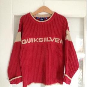 Varetype: Sweater - kun 40,- Størrelse: 8 år Farve: Rød/sand  Lækker trøje fra Quicksilver, den er i god stand  Se også mine andre annoncer  Bytter kun til kontanter ;)