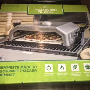 Helt ny pizzaovn til grill, velegnet til gasgrill og kuglegrill.  Lav pizza på 2-3 min.  Lav pizza med en bredde på op til 30 cm. Inkl temperaturmåler.