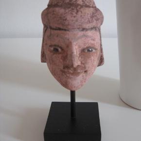 Pourquoi figur med keramik hoved. Kan sendes,handler bank + p, eller hent kbh. Ø