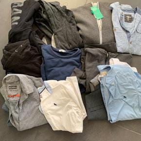 Stor og lækker tøjpakke til dreng str 146/152/158 - passer normalt en 10-12 årig.  62 dele  Sælges kun samlet og helst ved afhentning men forsendelse kan evt aftales  Alt er i meget fin stand eller helt nyt😀  Mærker :  Levis - Hilfiger - Costbart - Hound - H&M