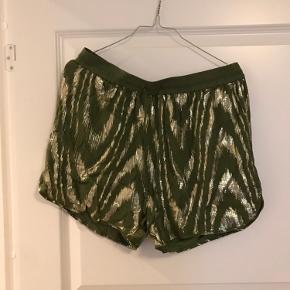 Ganni shorts - sælger også matchende top
