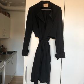 Virkelig fin jakke fra envii. Brugt, men fortsat fin. Nypris 899kr.