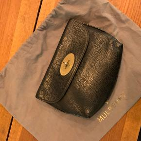 Mulberry clutch. Kommer med dustbag og kvittering.