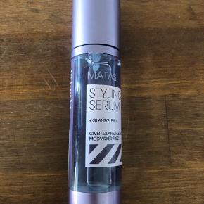 Styling serum fra Matas der giver glans og modvirker frizz. Aldrig brugt da jeg ikke bruger hårprodukter