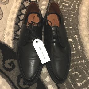 Sælger disse super fine sko fra Selected. Stadig med prismærke!💁🌸