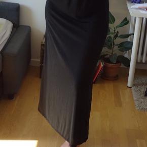 Min veninde på billedet er 187cm.
