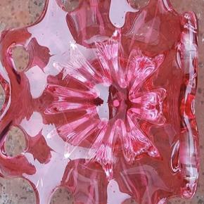 Vintage Rubin Glass vase / fad / skulptur