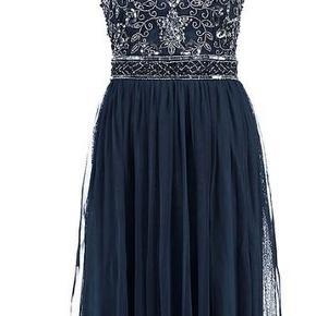 Lace & Beads kjole