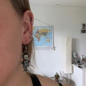 Sjove robot øreringe. Købt i tyskland for nogle år siden.