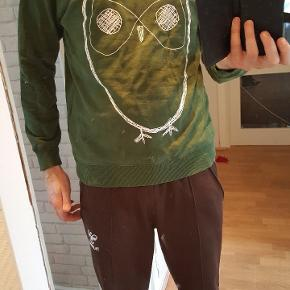 Super fed sweatshirt. Købt for 500 kr.