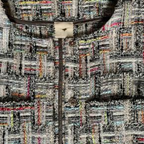 Super fin bouchlé jakke fra Heartmade.  Jeg bytter ikke.