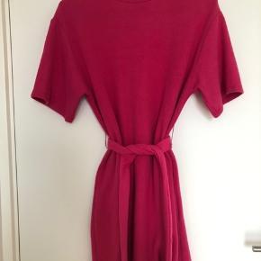 Super fin kjole med binde bælte 🌸