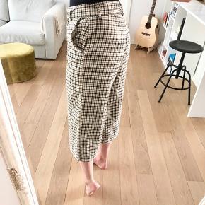 Ankel bukser i tern med bælte
