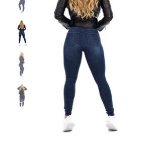 Fit Jeans /Fitjeans i Midnight Navy str small. Aldrig brugt og stadig med mærke.