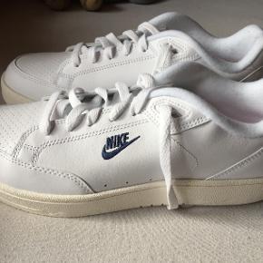 Helt nye Nike sko str. 42,5 Skoæske medfølger