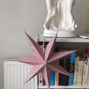 Super fin stjerne med pære i! Købt i Penny Lane i Aalborg