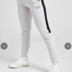 EA7 bukser