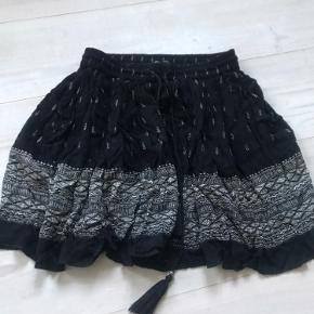 Sød mango nederdel ✨stortset aldrig brugt passer alt mellem xxs-s🤍ingen huller eller misfarvninger✨sælges billigt