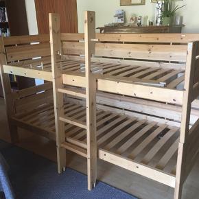 Lifetime etageseng med stige. Har alle dele til begge senge. Det er en høj køjeseng med 2 senge, madrasmål 90x200.