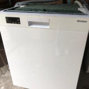 Blomberg opvaskemaskine sælges. Næsten ny.  Kan afhentes i Tarup(Fyn)