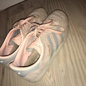 Fede sko størrelse 38 2/3  Byd - muligvis også byt   Sælges billigt