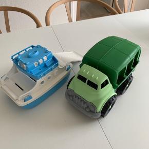 Green toys båd og skralde bil  - ny pris pr del er 269kr 100kr samlet