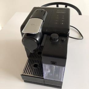 Nespresso Lattissima Touch Betjening ( Med touch knapper)  God stand  Alt virker.  Manual medfølger.  Fra forår 2015.