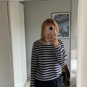 Denne trøje fra Mads Nørregaard er næsten som ny.