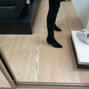 Smuk støvle kun slidt under bund