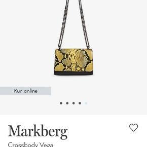"""Cool taske fra Markberg. Brugt meget lidt, men har lidt slid luge over """"hornet"""". Se billede 4. Køber betaler fragt"""